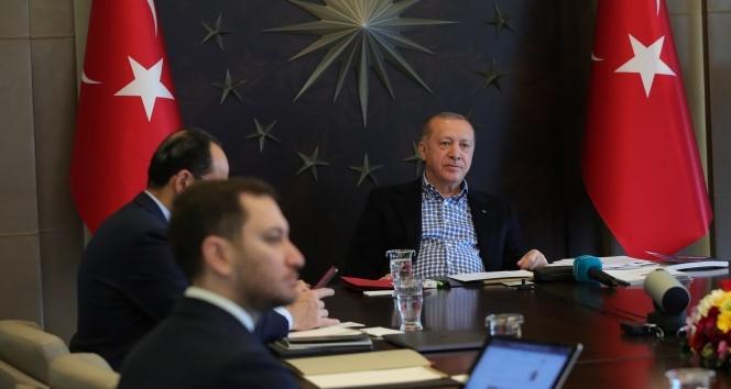 Cumhurbaşkanı Erdoğan, Nihat Özdemir ve A Milliler ile video konferansla görüştü